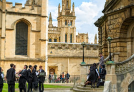 estudiantes en oxford